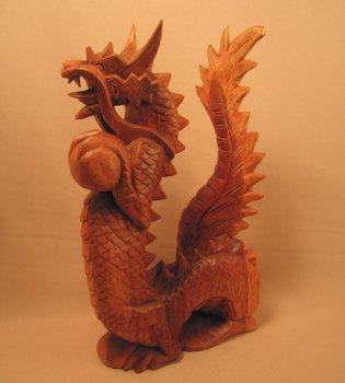 Мини-скульптура `Дракон с жемчужиной`. 20 см.