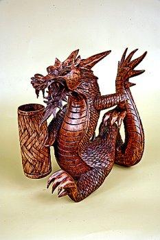 Карандашница 'Дракон'. 25 см.