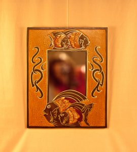 Зеркало `Рыбы`. 35х45х1 см.